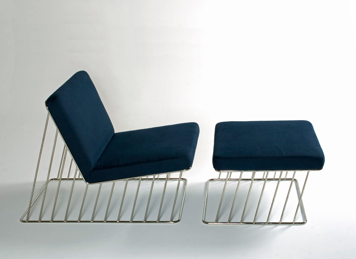 Wired Italic Lounge Chair And Ottoman